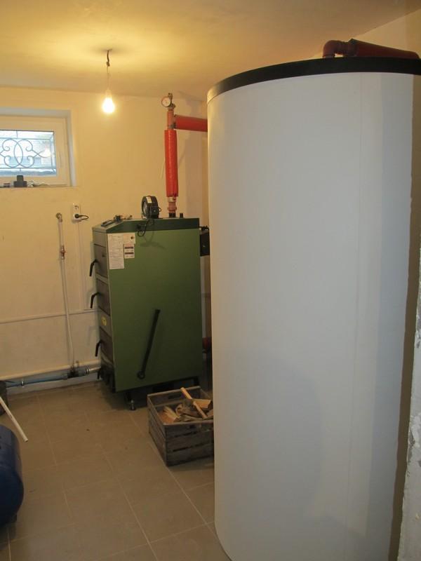 Фото установки буферной емкости для твердотопливного котла теплоаккумулятора Дом котлов в Минске